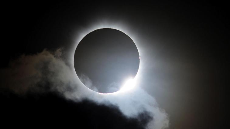a_mach_space_eclipsepath_170124